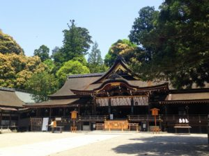 大神神社の御朱印やお守りとアクセス!気軽に登ってはいけない三輪山とは?